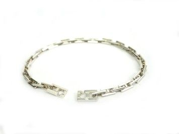HERMES Hercules Bracelet Silver 925. Get the lowest price on HERMES Hercules Bracelet Silver 925 and other fabulous designer clothing and accessories! Shop Tradesy now