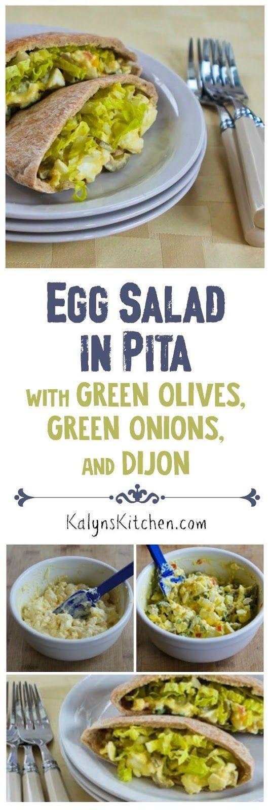 Ensalada de huevo en Pita con aceitunas verdes, cebollas verdes, y Dijon encontrar en KalynsKitchen.com