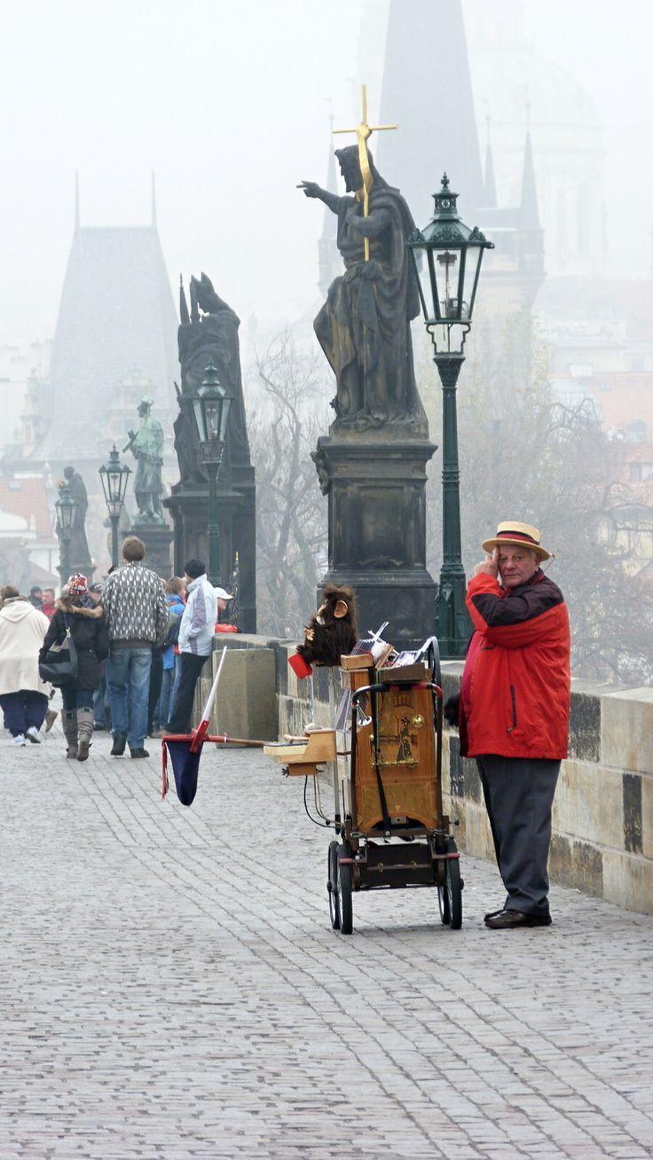 *Praha