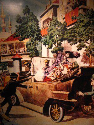 De plaats waar de Eerste Wereldoorlog begon was in Sarajevo. Toen de kroonprins van Oostenrijk-Hongarije daar op bezoek was werd er een aanslag op hem gepleegd, na deze aanslag (die hij overleefd had) werd hij alsnog neergeschoten. Deze aanslag wordt gezien als het begin van de oorlog omdat na deze actie verschillende landen elkaar de oorlog verklaarden.