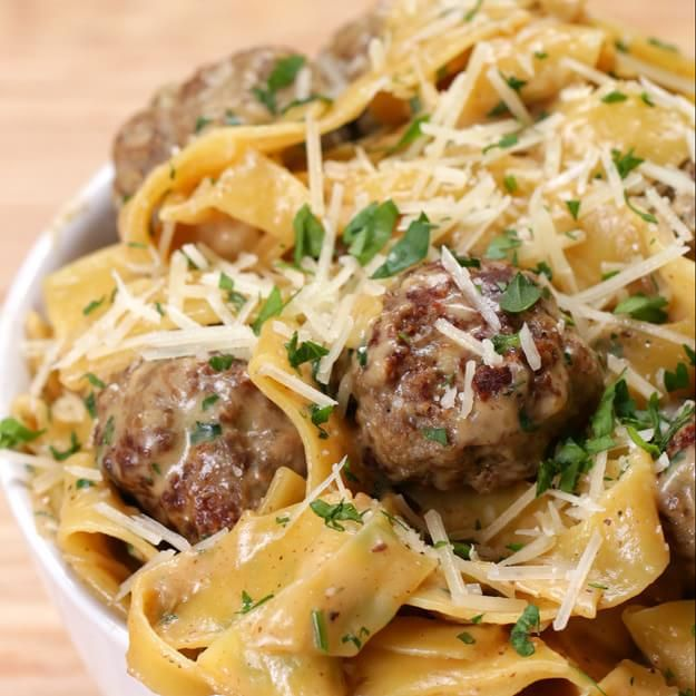 Here's A Quick And Easy Swedish Meatball Pasta Dinner That You Can Make For Your Loved Ones