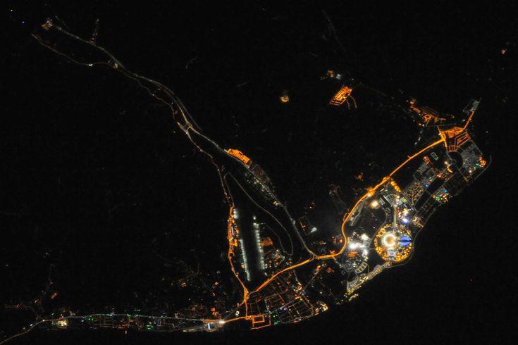 Téli olimpia az űrből -> http://blog.volgyiattila.hu/?p=29284 #fotó #nasa #asztrofotó #ISS #szocsi #sochi2014  Fotó: NASA