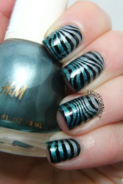 Glittery blue zebra nail stamping nail art feat. H&M Silver Fern and Geometry BPX-L020 stamping plate @bornprettystore