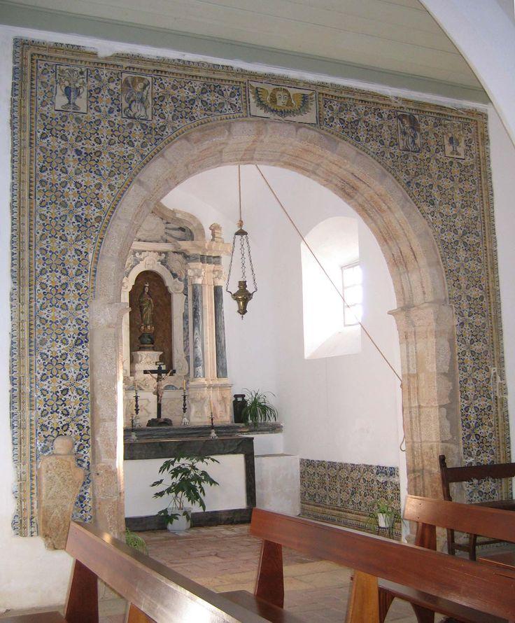 Marvão, Church of São Tiago [photo: Luísa Correia] #geometry #pattern #polychrome #line #azulejo #frame #collaborativetimeline