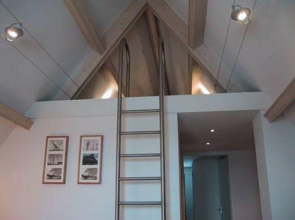 Plafond met extra opbergruimte zolder pinterest met - Bed kind met mezzanine kantoor ...