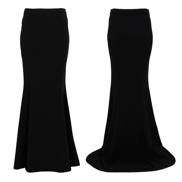 #whoswho #greenbird #marinamall #abudhabi #abudhabifashion #abudhabistyle #dubai #dubaifashion #dubaistyle #fashionista #womenswear #eveningwear #casualwear #fall2013 #winter2014 #skirt #floorlength #floorlengthskirt #blackskirt #witch #goth