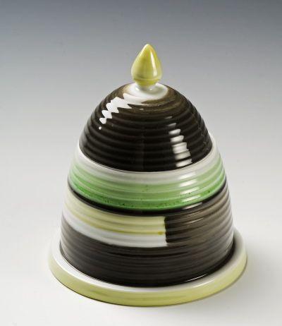 Honey jar by Nora Gulbrandsen for Porsgrund Porselen. Production year 1932. Model 1762 Decor 721