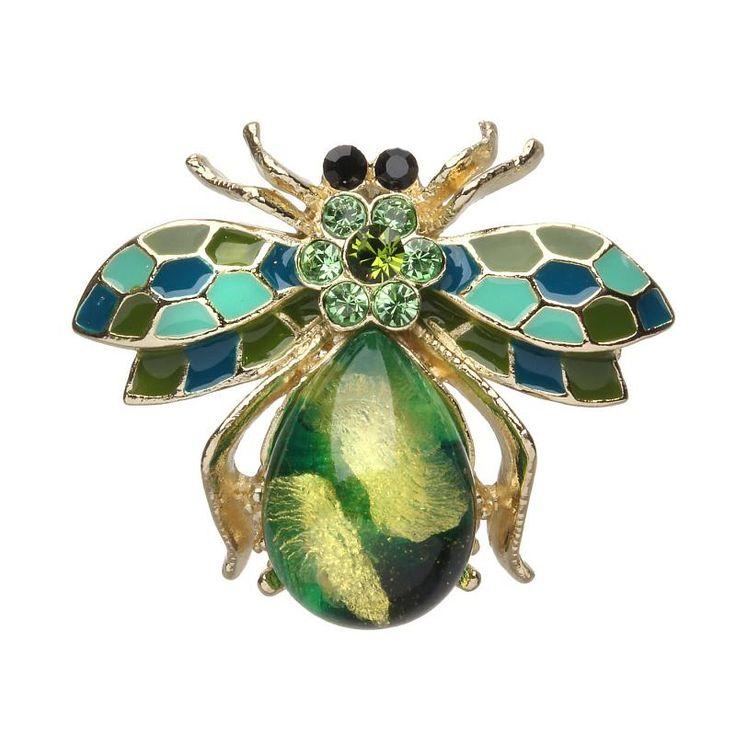 Украшения в форме насекомых, птиц и животных буквально взорвали модные показы нынешнего сезона. На самых актуальных нарядах поселились диковинные бабочки, забавные жуки, милые стрекозы и даже несколько неожиданные в качестве декора одежды и украшений скорпионы и пауки. Брошь-подвеска в виде милой пчелки, усыпанной разноцветными кристаллами и покрытой эмалью, будет хорошо смотреться с любой повседневной одеждой, а в сочетании с аналогичными серьгами и кольцами получится интересный и…