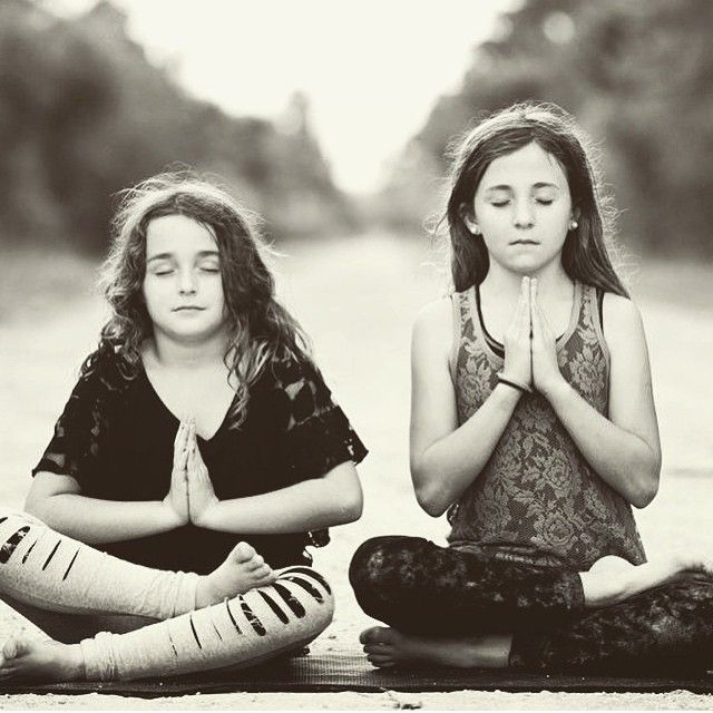 "Interesting study on the effects of yoga on children ages 8-18 with irritable bowel syndrome or functional abdominal pain. After just 10 sessions, their pain was significantly. Read the research. : @shantiyogastudio"" Photo taken by @yoga_medicine on Instagram. Pinned by yogapad.com.au"