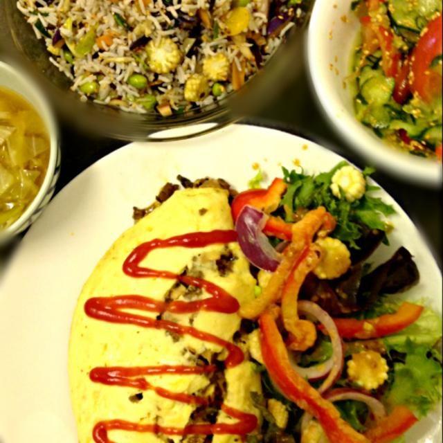 レシピとお料理がひらめくSnapDish - 10件のもぐもぐ - Omelette, Salad,Stir fried rice,Cabbage Miso soup, オムレツ&サラダ、炒飯、トマトときゅうりのナムル、キャベツの味噌汁 by ずきみく
