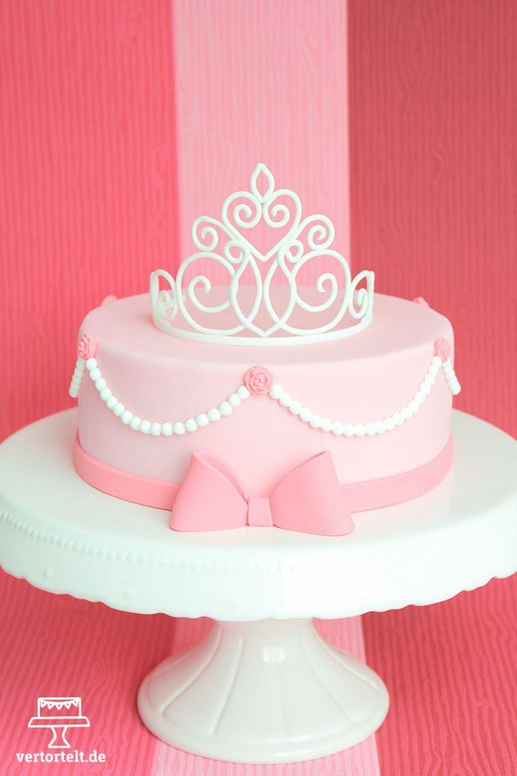 Prinzessinkuchen mit Diadem aus Blütenpaste   – TortenLiebe