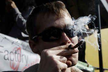 House Votes To End DEA Raids On Legal Medical Marijuana Operations