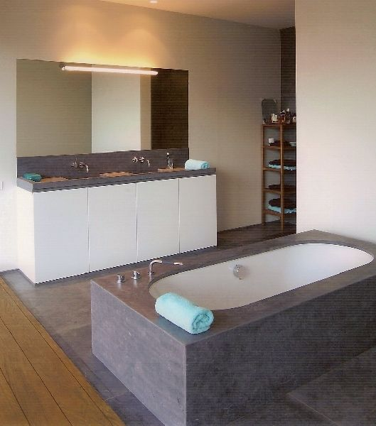 147 best badkamer images on pinterest - Moderne badkamer betegelde vloer ...