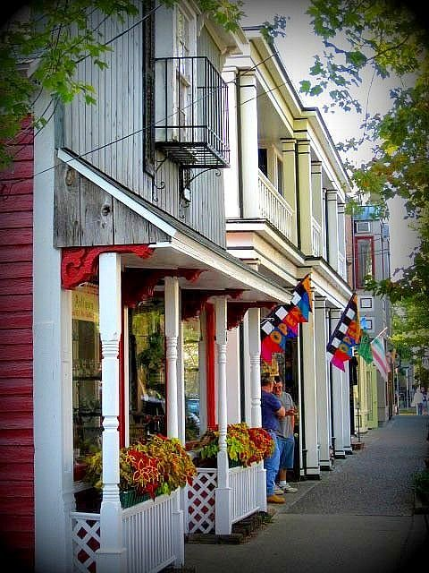 best boutiques and what -not shops ever......Saugatuck, MI