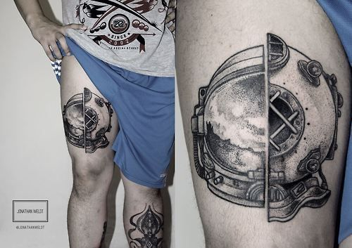 Second tattoo done in dotwork with jonathan weldt.Santa...