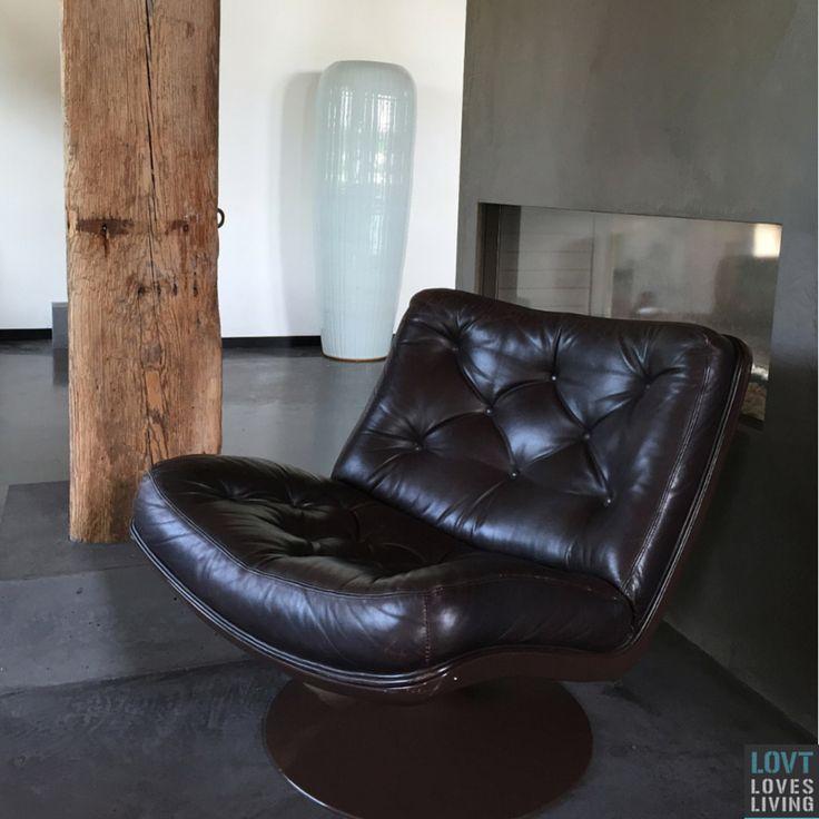 Vintage Artifort Harcourt F976 fauteuil, zeer goede vintage staat. Te koop bij www.lovt.nl.