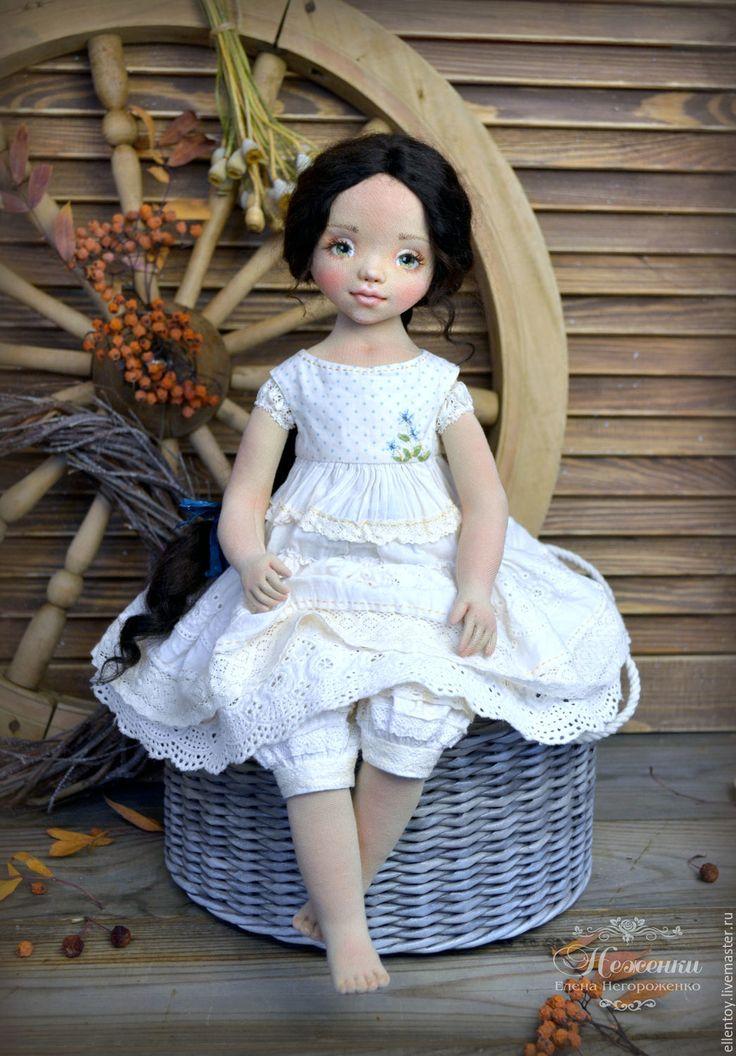 Купить Настенька, текстильная коллекционная кукла в интернет магазине на Ярмарке Мастеров