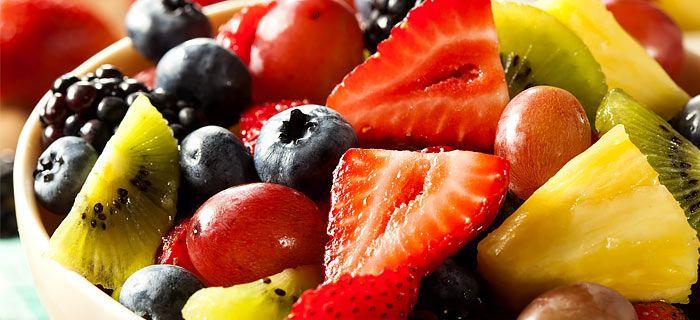 Deze makkelijke fruitsalade zit bomvol vitamines en is zo gemaakt. Dat wordt…
