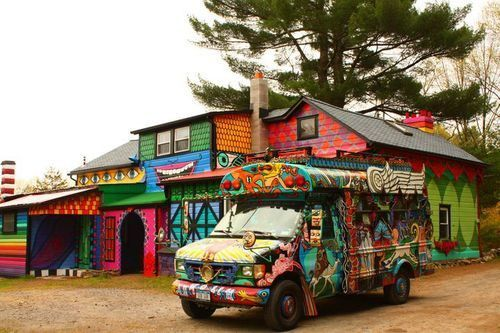 Hippie House - secretly, always wanted to be one and live in a house Just. Like. This!