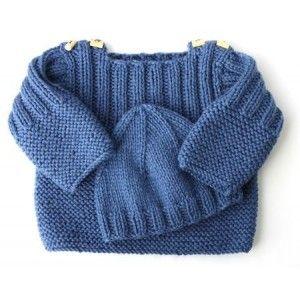 Pull et bonnet bébé bleus.