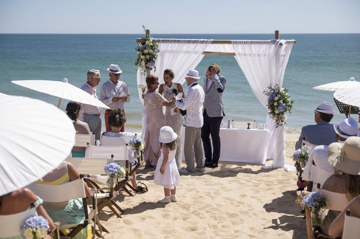 weddings by rebecca beach ceremony. quinta da lago beach wedding. Wedding finishing touches. Algarve wedding rental company