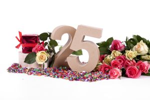 25th Anniversary Party Ideas | Stretcher.com - How to throw a great anniversary party for less