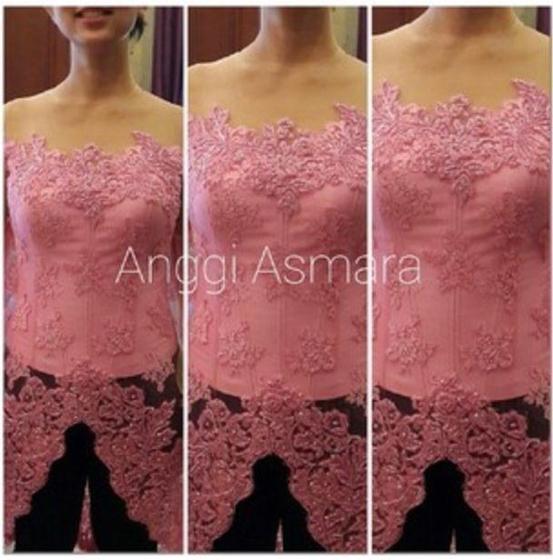 Fitting pink kebaya