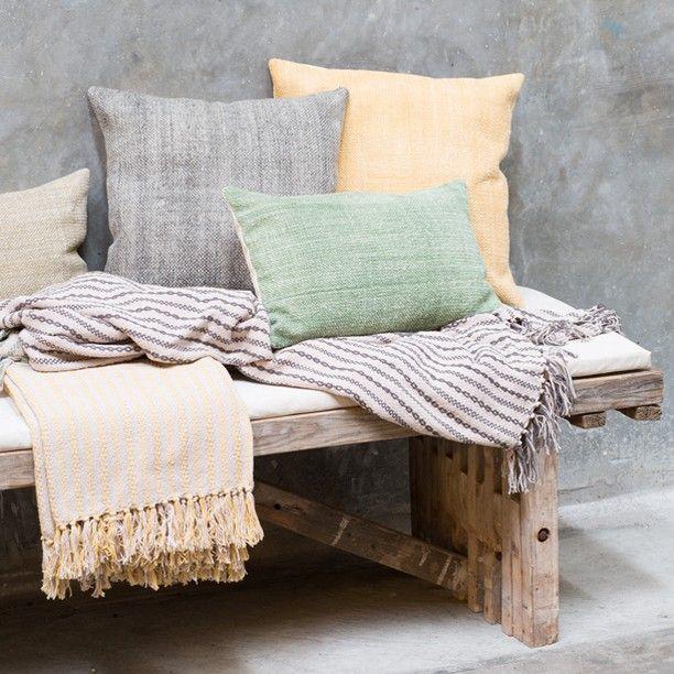 Warm blankets can keep away the cold. Price DKK 89,00 / SEK 123,00 / NOK 122,00 / EUR 12,44 / ISK 2398 #blanket #pillowcases #cushion #pillow #cotton #colours #grenehome #inspiration #sostrenegrene #søstrenegrene