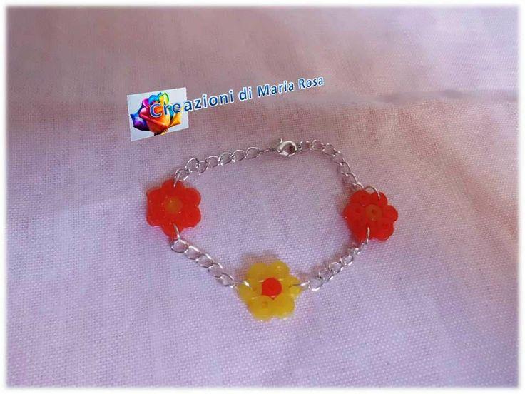 Realizzato con perline hama beads con brillantini