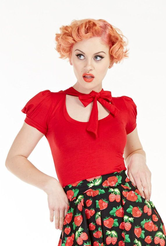 Deze klassieke pussybow top maakt een grote basic voor elke garderobe. Haar fantastische team met potlood rokken, jeans, highwaist broek,