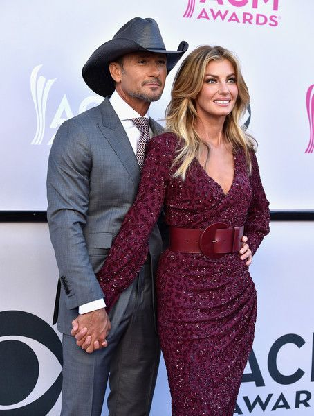 Faith Hill Photos Photos - Recording artists Tim McGraw (L) and Faith Hill attend the 52nd Academy Of Country Music Awards at Toshiba Plaza on April 2, 2017 in Las Vegas, Nevada. - 52nd Academy of Country Music Awards - Arrivals