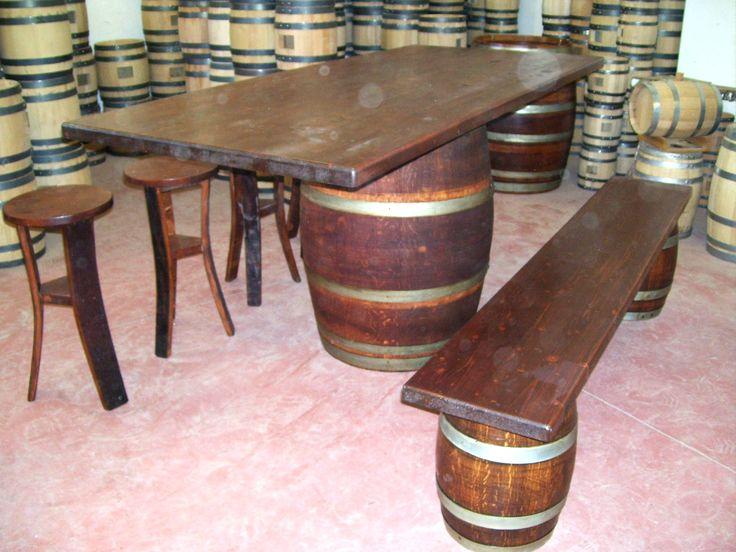 1274 - #Tavolo da #birreria e #osteria da 2 metri con #panca a corredo o #sgabelli treppiede e a #botte. Tel.0547 310171