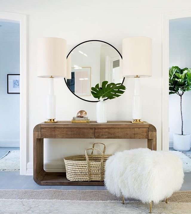 Round mirror round up on Beckiowens.com!  Check out all the mirror picks on the blog.  Image via @onekingslane ❤️