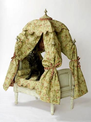 French Th Century Reproduction Dog Beds A Toulouse