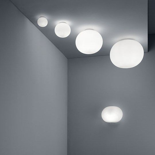 Glo-Ball W: Discover the Flos wall and ceiling lamp model Glo-Ball W