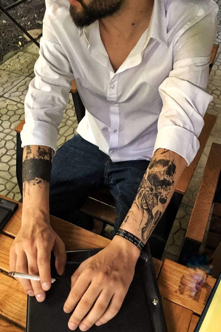 This is a way to express yourself 👉 http://www.flashtattoos.ro/shop/tatuaje-temporare/negre/ & http://www.flashtattoos.ro/shop/bijuterii/bratari/  #flashtattoosromania #blackink #moodbracelets #flick