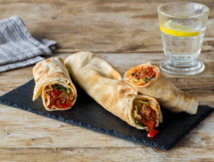 Turkse platbroodpizza met kruidig lamsgehakt
