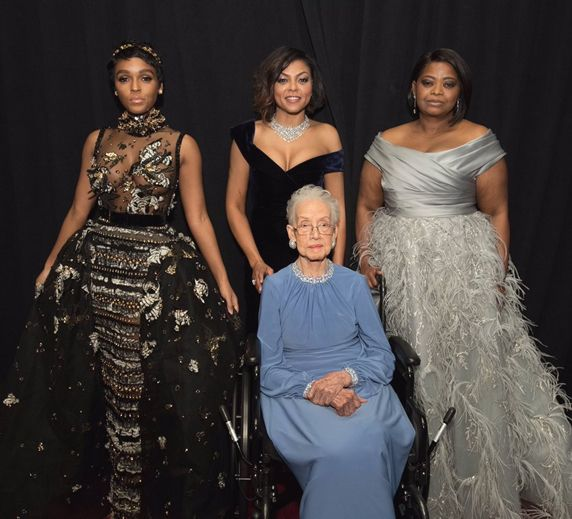 "accras: "" NASA mathematician Katherine Johnson with the cast of ""Hidden Figures"" """