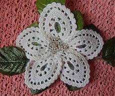 Croșetat floare brosa |  Amantă