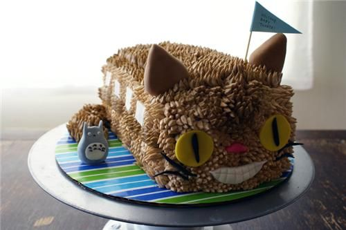 cat bus cake from My Neighbour Totoro: Buses, Cats Bus, Coco Cakes, Cakes Land, Neighbor Totoro, Catbus Cakes, Cakes Idea, Totoro Cakes, Birthday Cakes