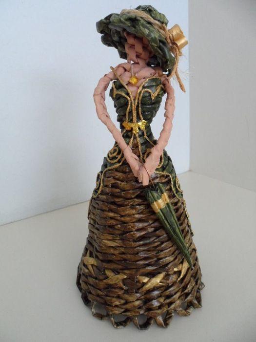 How to make newspaper weaving dollweaving-doll-2