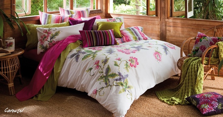 .: Carousels Beds,  Comforter, Quilts Covers,  Puff, Beds Linens, Colour Pillowca, Bedrooms Decor, Carousels Quilts, Beautiful Bedrooms
