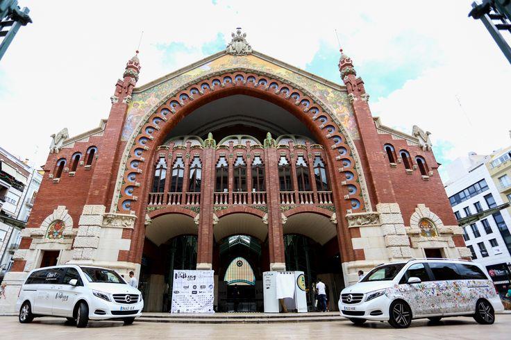 Precioso el Mercado Colon donde se celebró la pasarela Valencia Petit Walking junto con Mercedes-Benz