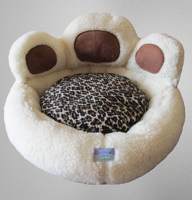 TamanhoM: 55cm de diâmetro <br>Fundo com tecido Impermeável <br>Capa da almofada interna removível e com zíper.