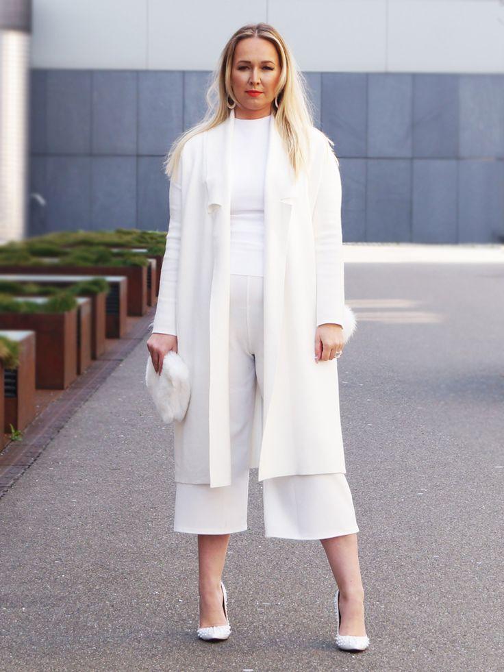 #FashionBlogger #BeautyBlogger #TopFashionBlogger #ElegantEmaDulakova  Should you also be look Elegant & gorgeous, go check out our website. http://www.sheistheone.ch/2016/03/look-sharply-elegant.html