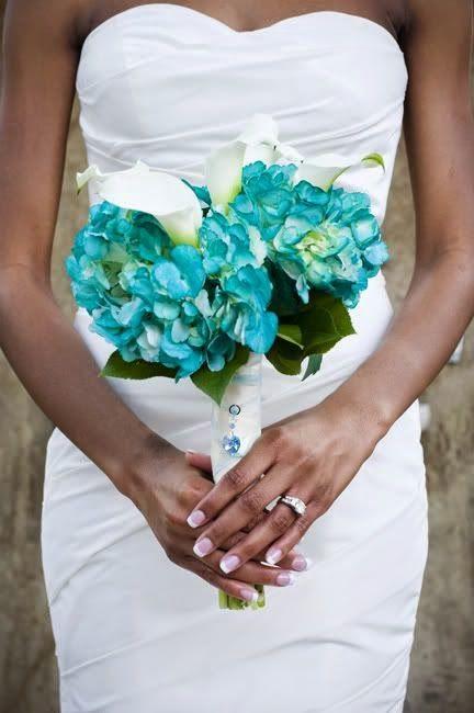 Choose a Tiffany Blue Wedding Theme - Wedding Bouquet. http://simpleweddingstuff.blogspot.com/2014/12/choose-tiffany-blue-wedding-theme.html