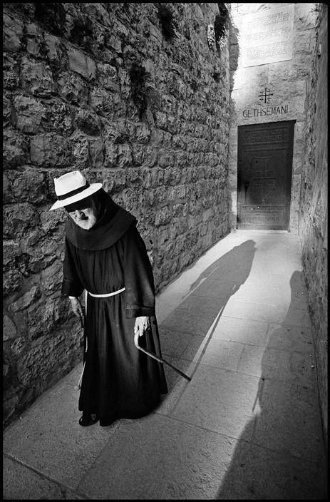 Leonard Freed, Franciscan monk at the church on the Mount of Olives, Jerusalem, Israel, 1967. © Leonard Freed/Magnum Photos