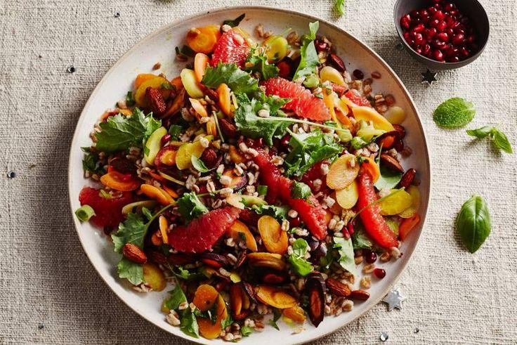 23 maart - regenboog wortelmix - Fruit, groente, granen en kruiden in één salade: een smaakfeestje! - Recept - Allerhande