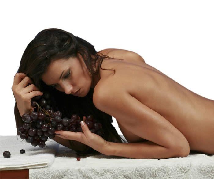 """Massaggio Corpo rilassante all'olio """"diVino"""" http://www.centribenessereofferte.it/toscana/week-end-benessere/offerte-hotel-con-spa-a-chianciano-terme-37"""