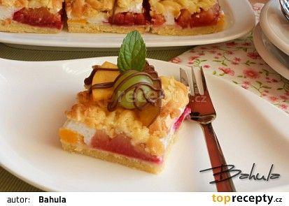 Ovocný koláč se sněhem recept - TopRecepty.cz